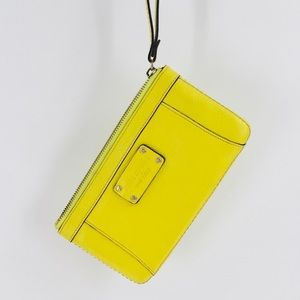 ♠️ Kate Spade Yellow Leather Wristlet Bag ♠️